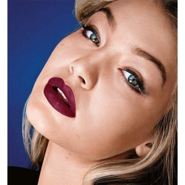 975 Divino Vino - Rosso labbra MATTE da Maybelline Color Sensational
