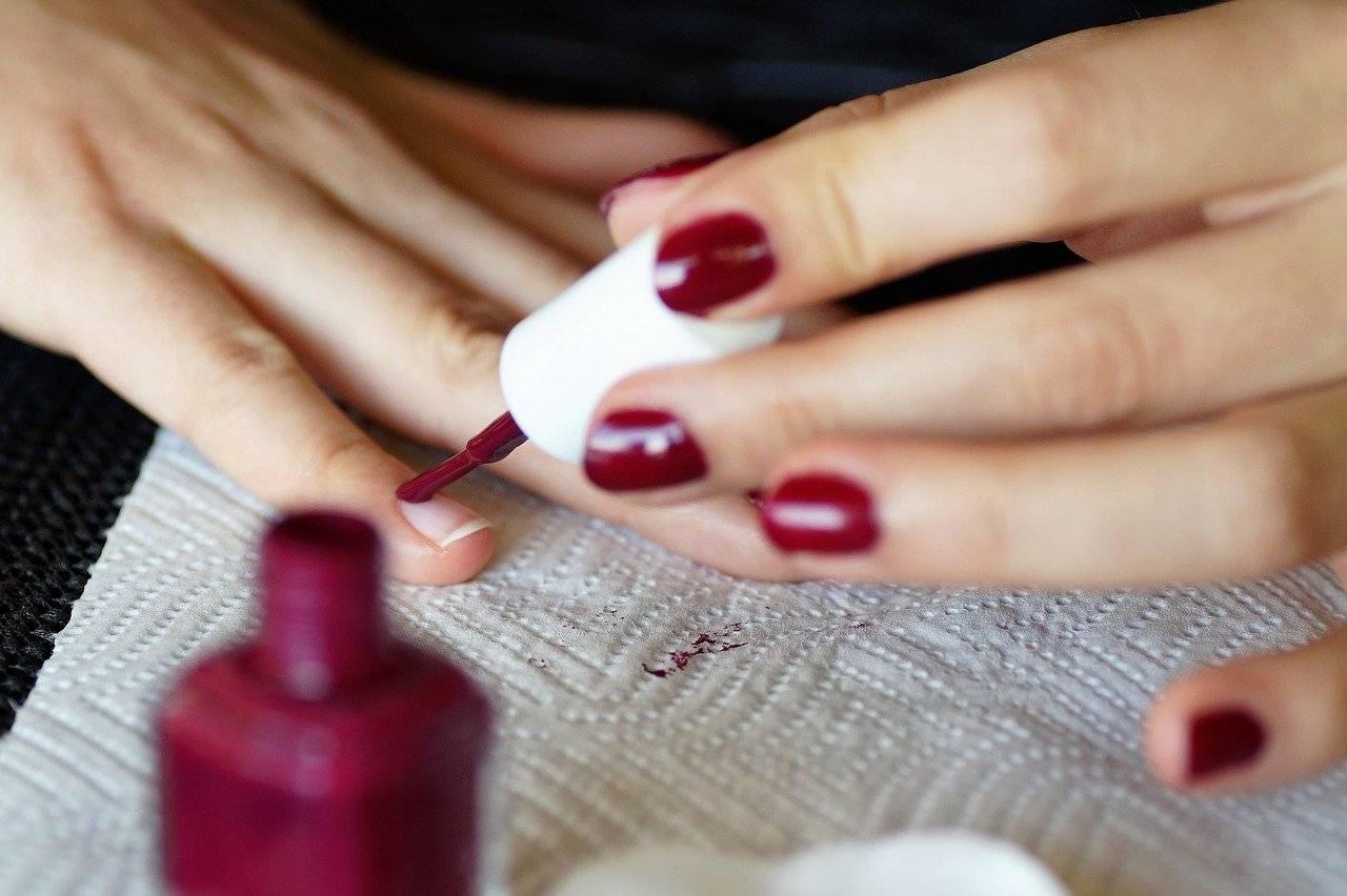 réussir manucure vernis à ongles