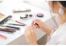 Les 5 utilisations possibles du crayon à lèvres